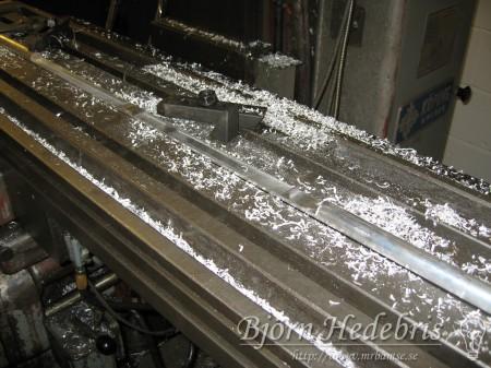 Projektortavla, projektorduk, träram, hemmabio, spotlight, taklampa, upphängning, aluminium, , kolfiber, fräs